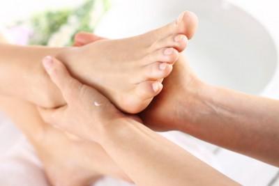 Ayurvedische Fuß und Beinmassage