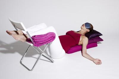 Im Heilenden Yoga verwenden wir Hilfsmittel wie Polster, Stühle, Stützen und Ähnliches...
